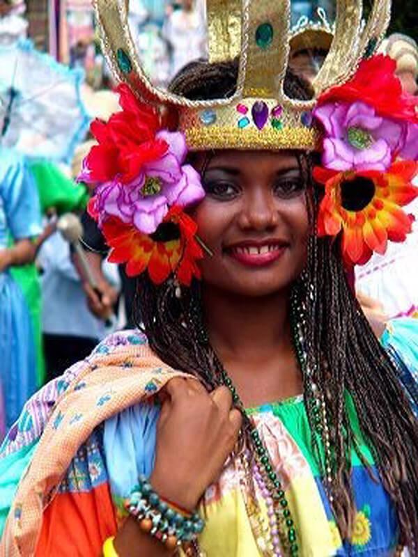 Beauté afro-caraïbes (C) Office de tourisme Colon
