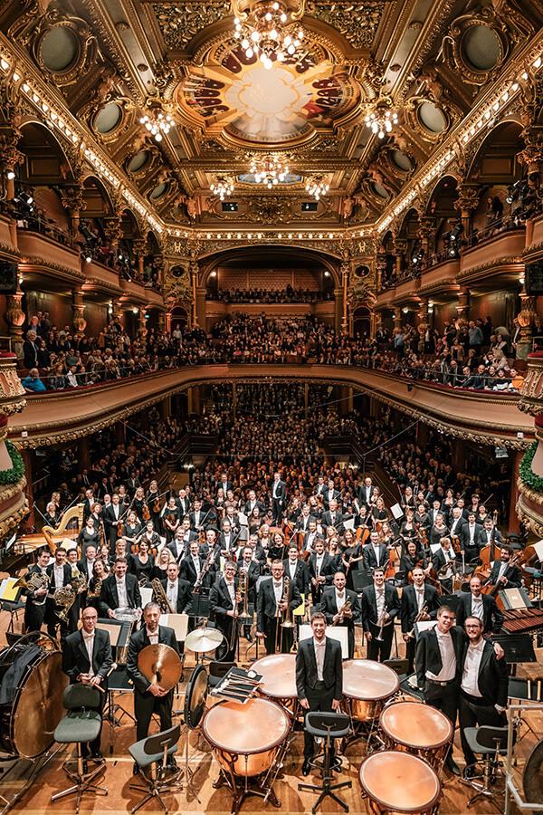 L'OSR La Salle du Victoria Hall pleine jusqu'aux derniers rangs (c)NielsAckermann