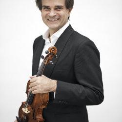 Fabrizio von Ar avec The Angel son Stradivarius( C)Vincent Calmel