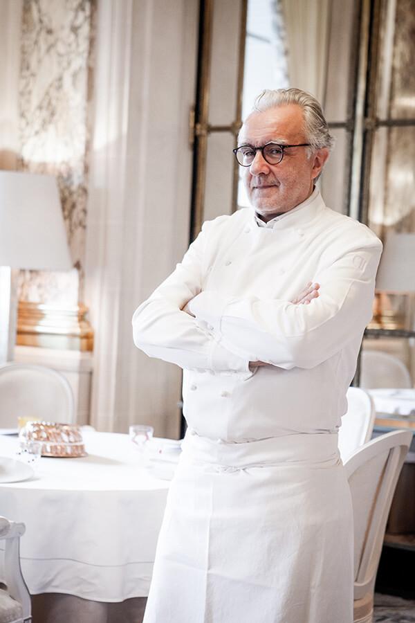 Alain Ducasse Chef triple étoilé légende de la gastronomie