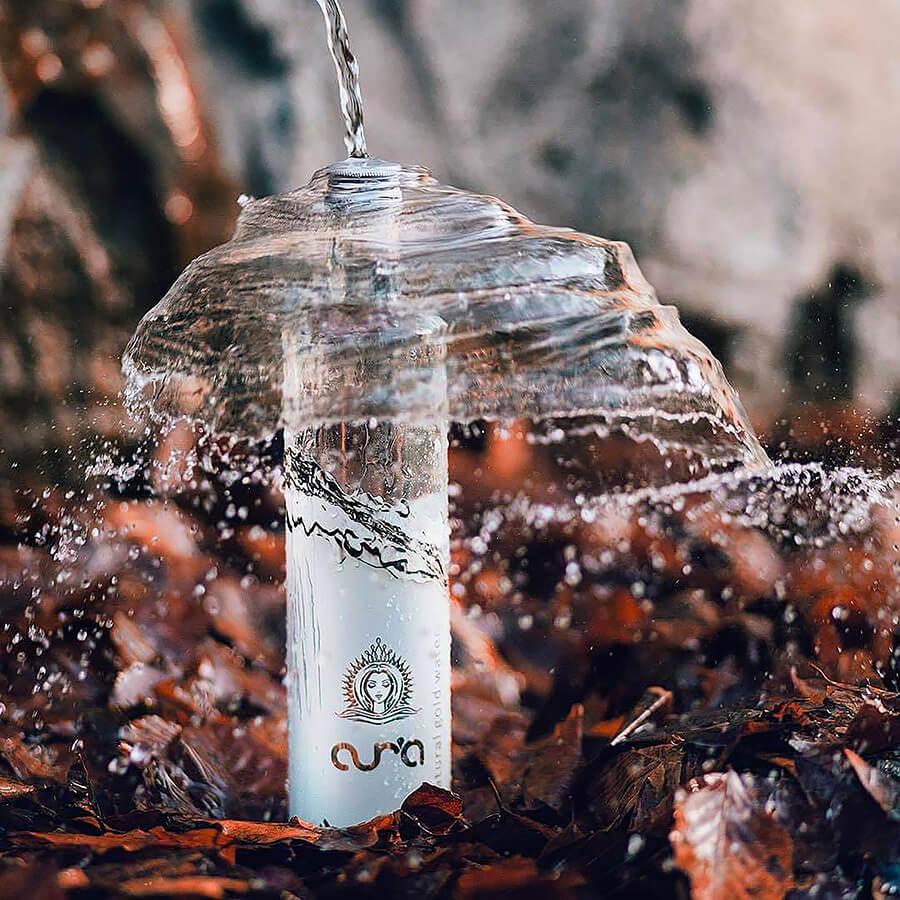 Aura une nouvelle eau anti-âge plate ou petillante en bouteille 75 cl
