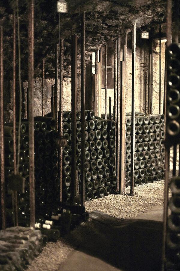 Ambiance de secrets et mystères d'une Cave Bouchard Père & Fils