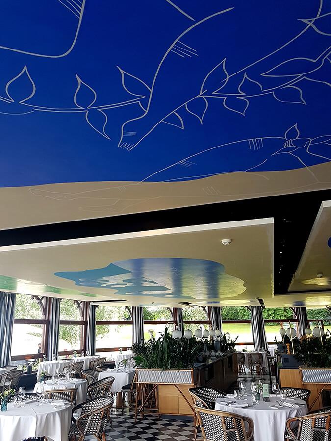 La Véranda détails de la restauration du plafond avec ses superbes dessins aériens (c) GAD