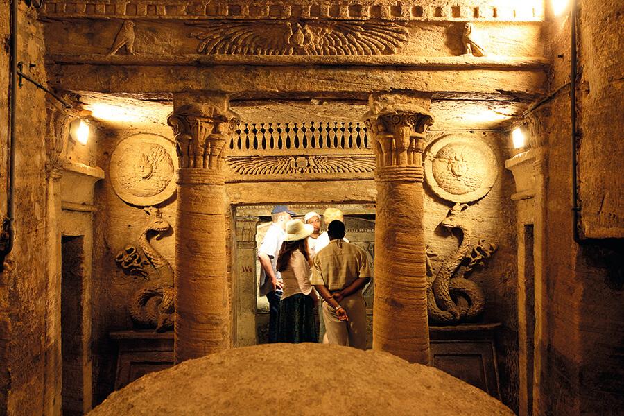 Lla necropole de Kom-El Shoqafa