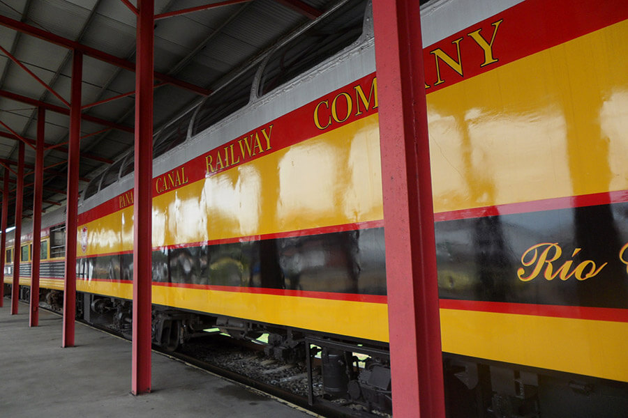 Aux couleurs du Panama Canal Railway Company