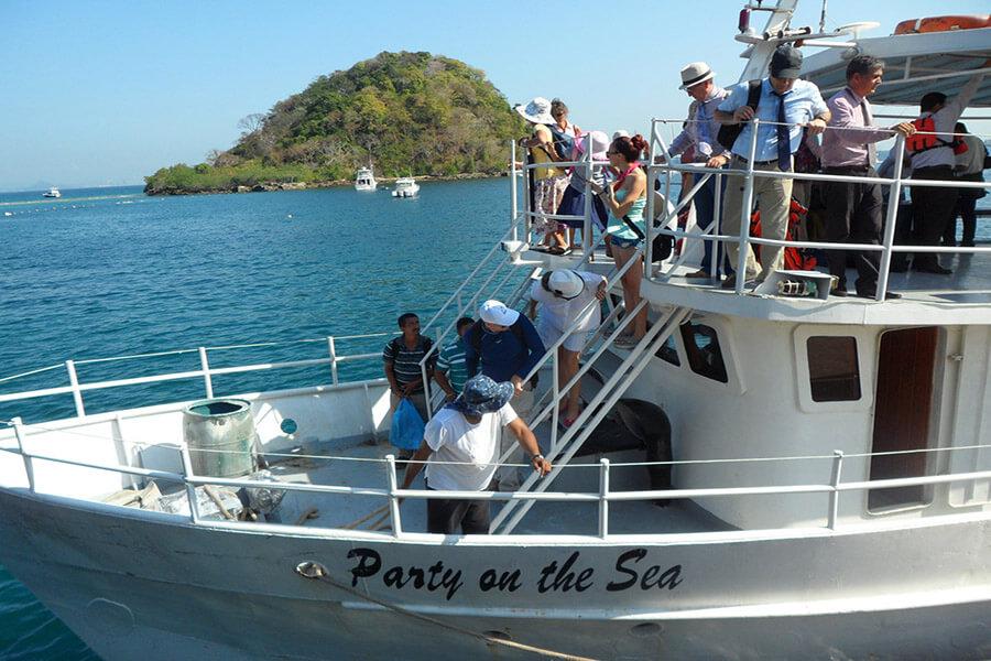 Départ vers l'île de Taboga