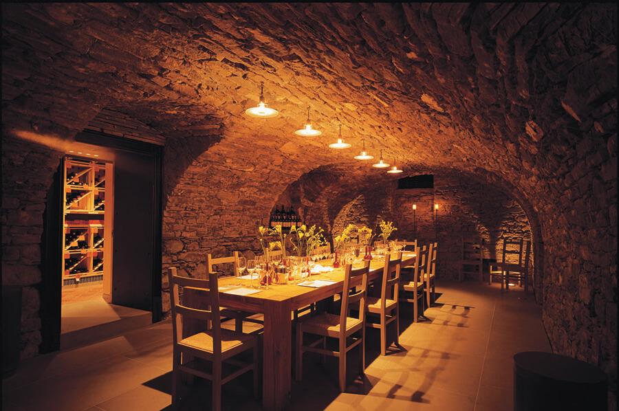 Park Hotel Weggis le cellier peut accueillir 32 convives