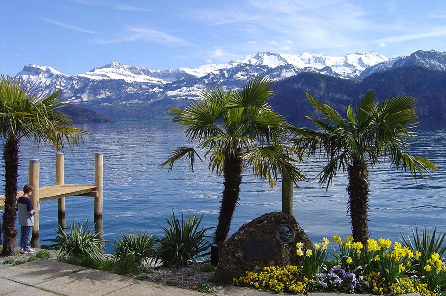 Weggis du bord du lac vue sur les sommets enneigés ®EK_LTAG