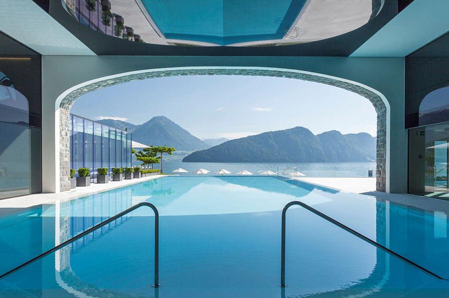 La piscine à débordement du Park Hotel Vitznau (C)PHV