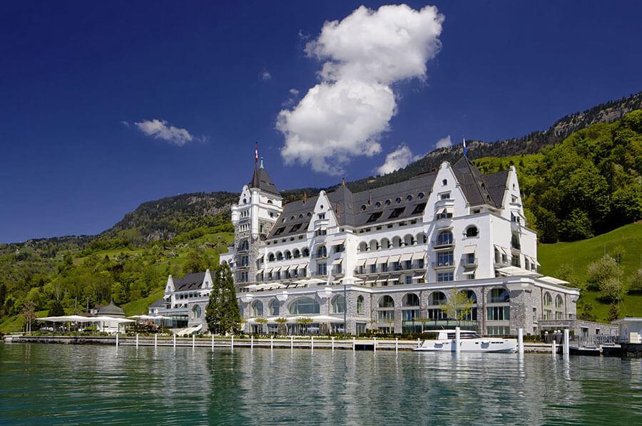 Arrivée au Park Hotel Vitznau par le lac