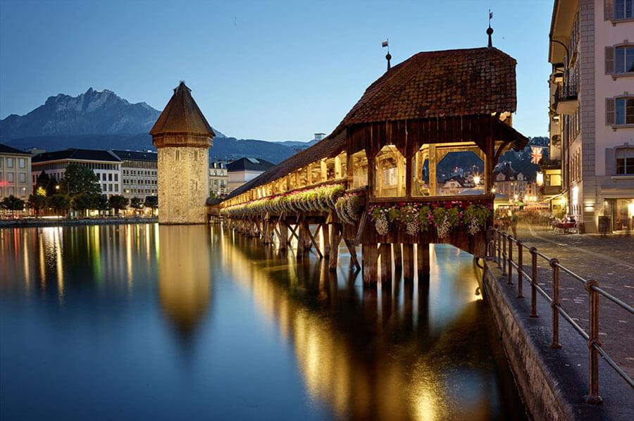 Première attraction de Lucerne, le Pont de la Chapelle (c) Office de Tourisme Lucerne