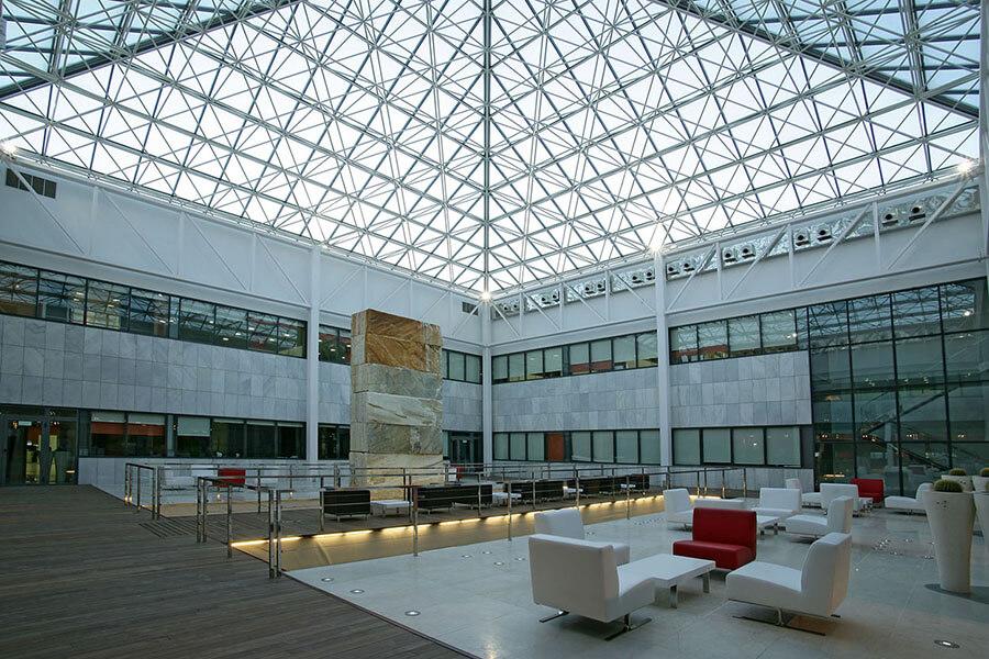 Cosentino le siège rassemble différents secteurs d'activité sous un même toit