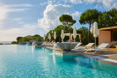La piscine du Westin Resort d'inspiration Grèce ancienne Westin Pool