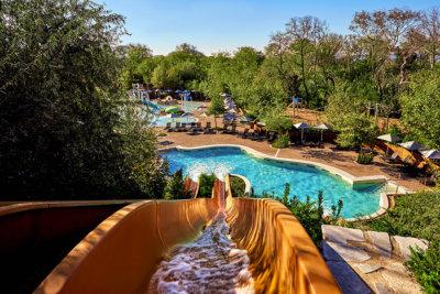 L'Aqua parc pour le plaisir des jeunes