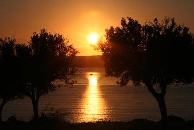 La baie de Navarino au coucher du soleil