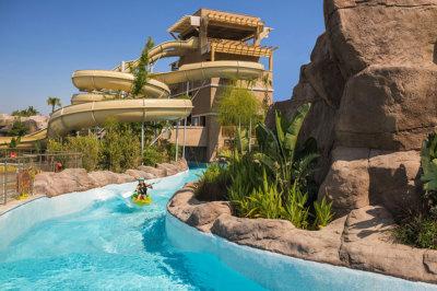 Toutes les attractions sont à proximité des hôtels vue sur l'Aquaworld du Regnum