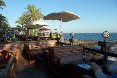 Très recherchés Side accueille de petits restaurants et cafés le long de la mer (c) G.A.-D.