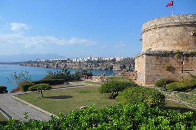 De la vieille ville d'Antalya, vue sur la cité moderne (c)G.A.-D