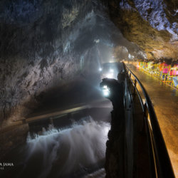 Postojna Cave en longeant la rivière Pivka