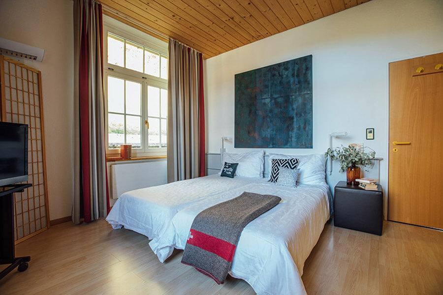 Une chambre double accueillante et confortable