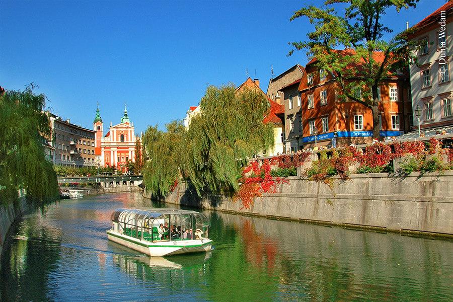 Ljubljana promenade sur la rivière Ljubljanica