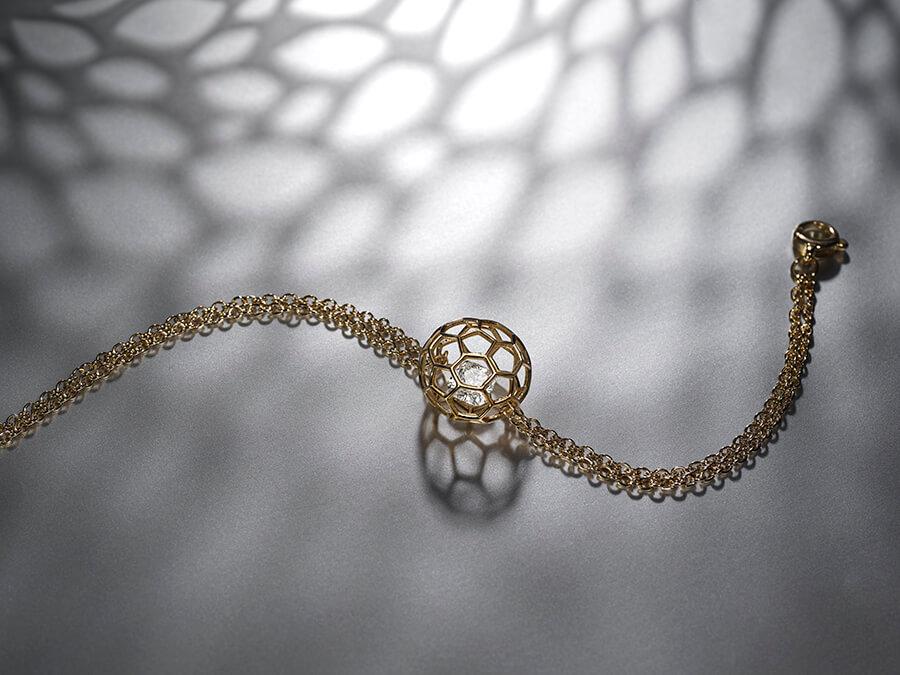 Nudo bracelet intemporel préservant la beauté du diamant