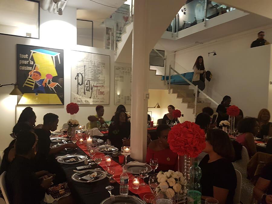 Ambiance du diner amical et festif