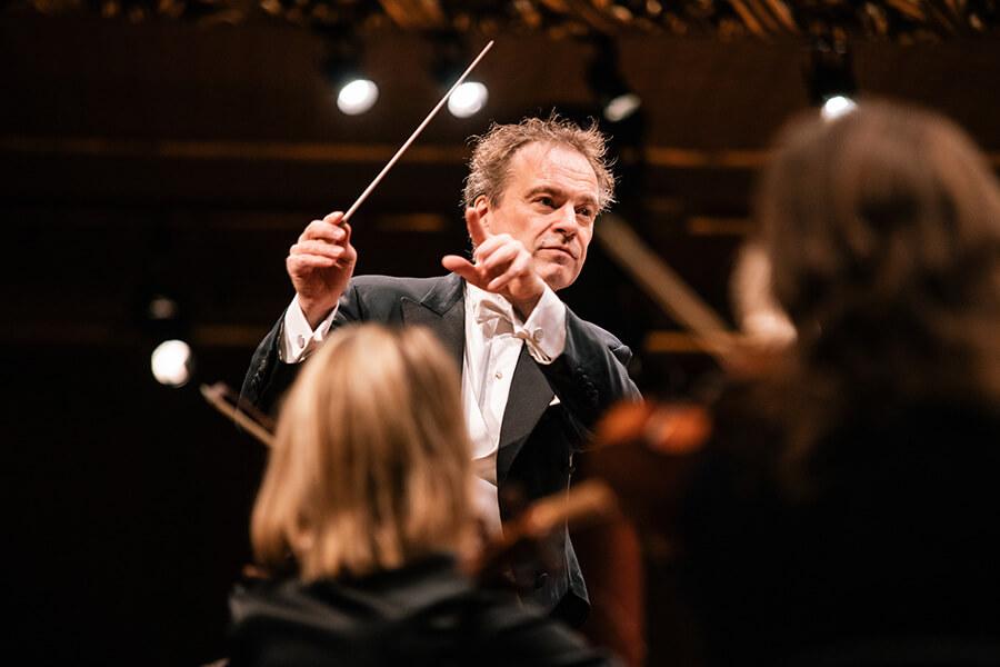 Jonathan Nott Dir. artistique et musical de l'OSR (c)Niels Ackermann-