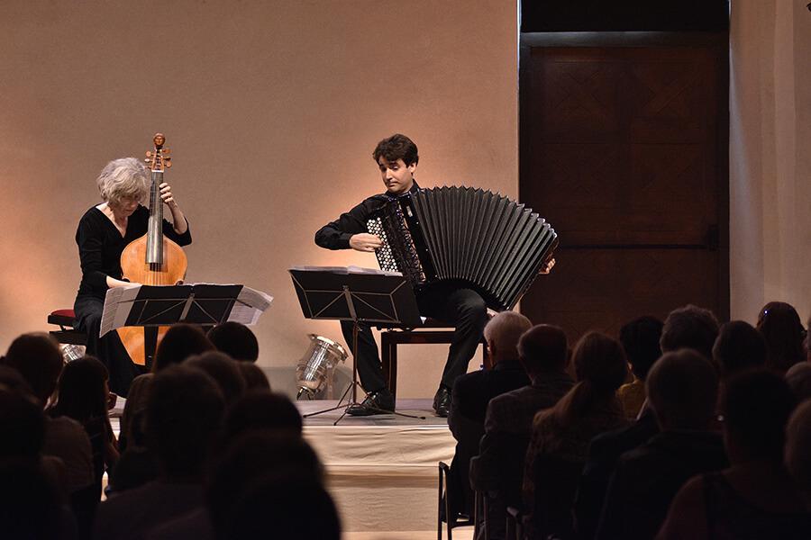 Poetical Humors Duo Les Inattendus avec Marianne Muller et Vincent Lhermet ©Bertrand Pichene CCR_Ambronay
