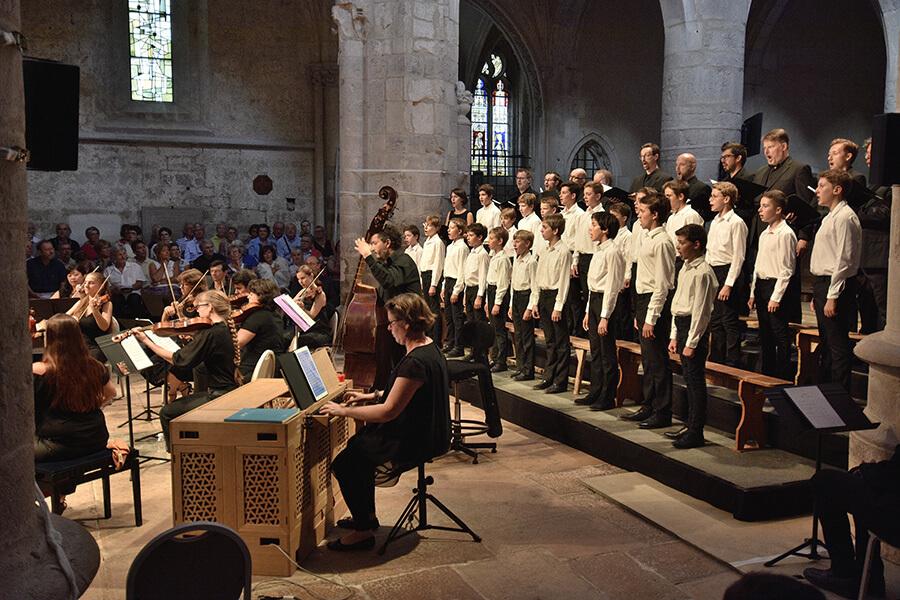 Les Choeurs d'enfants avec Spirito interprétant les plus belles cantates de Bach ©Bertrand Pichene -CCR Ambronay