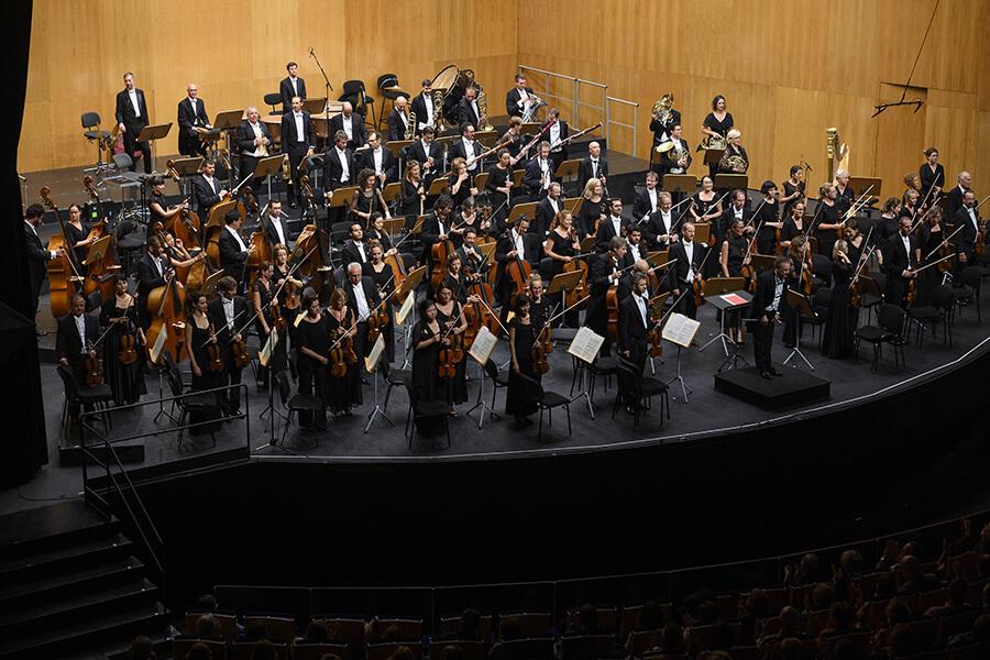 L'OSR sous les applaudissement nourris à Santander Palacio de Festivales ©️Pedro Puente Hoyos