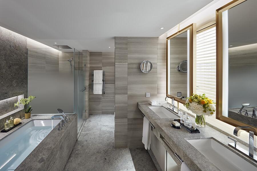 Mandarin Oriental Geneva salle de bain du Royal-Penthouse junior-suite.