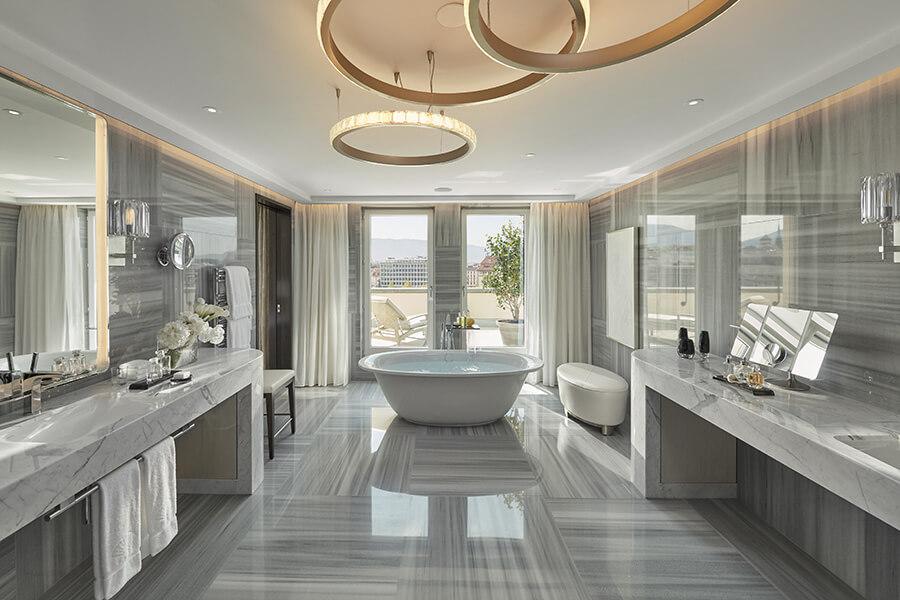 Royal-Penthouse la salle de bain de la chambre principale Master-bathroom