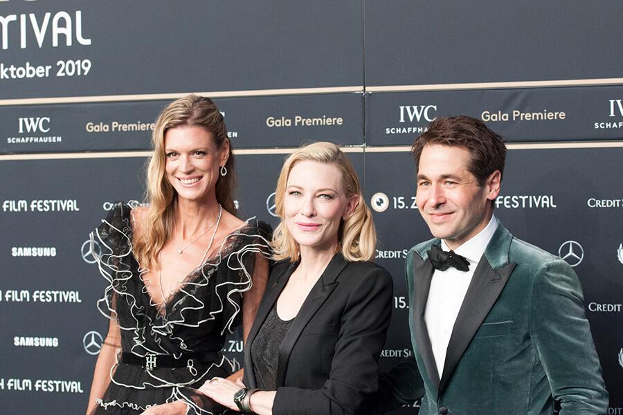 Soirée Awards avec Cate Blanchett et les co-directeurs Nadja Schilkdknecht et Karl Spoerr