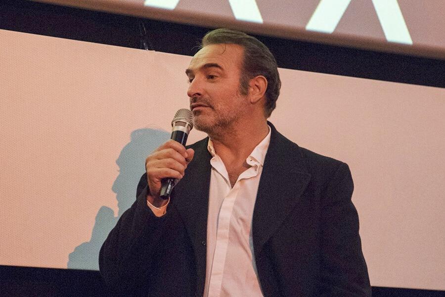 Jean Dujardin accompagnant son film J'accuse de Polanski