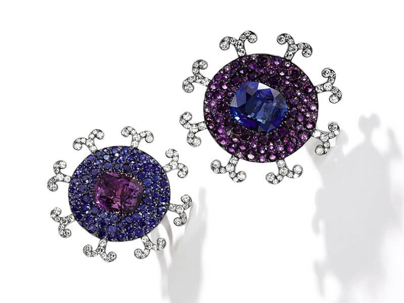 Boucles d'oreilles. Diamants, améthystes et saphirs de Ceylan