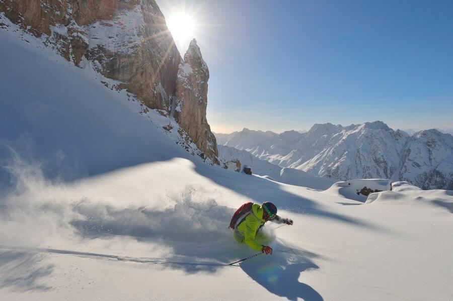 Poudreuse sur les sommets, Ischgl ou le plaisir du ski © TVB Paznaun – Ischgl
