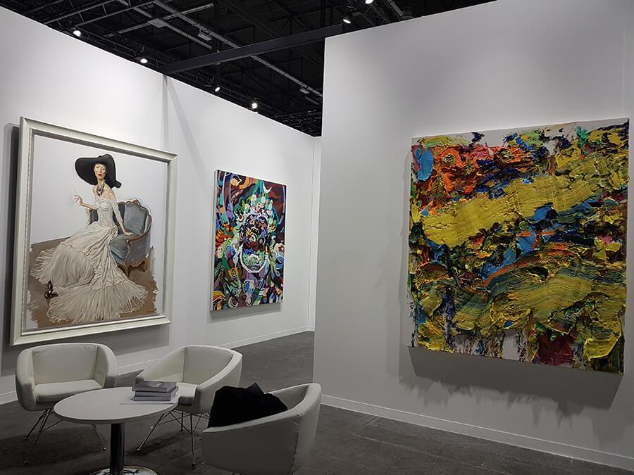 Déambulation entre les stands du moderne au contemporain l'art séduit