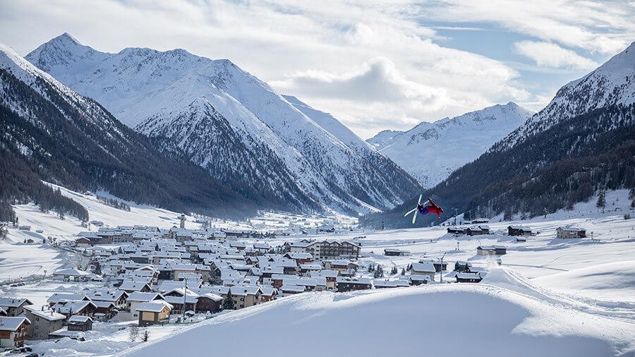 Livigno Freeride audessus des paysages sous la neige Copyright Samuel Confortola