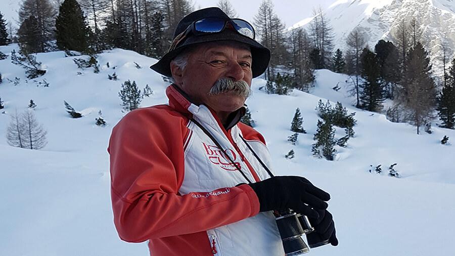 Une légende à Livigno Epi Bormolini guide et moniteur de montagne découverte de la nature en raquettes