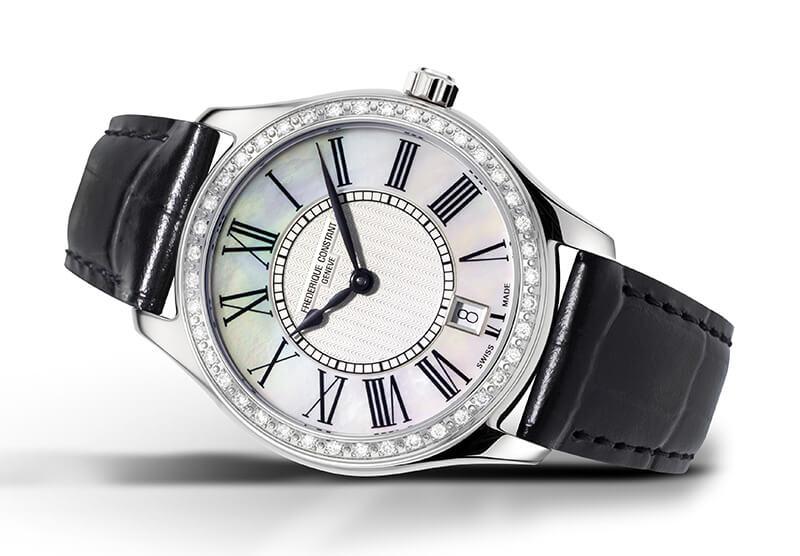 Classics Quartz Ladies cadran en nacre blanche, lunette sertie de diamants