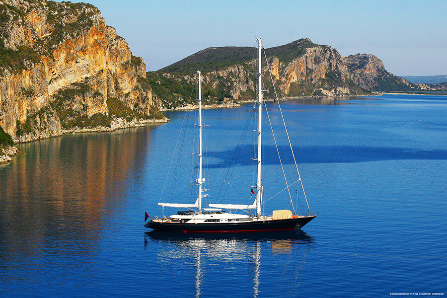 Escapade solitaire sur les eaux bleu de Navarino Bay