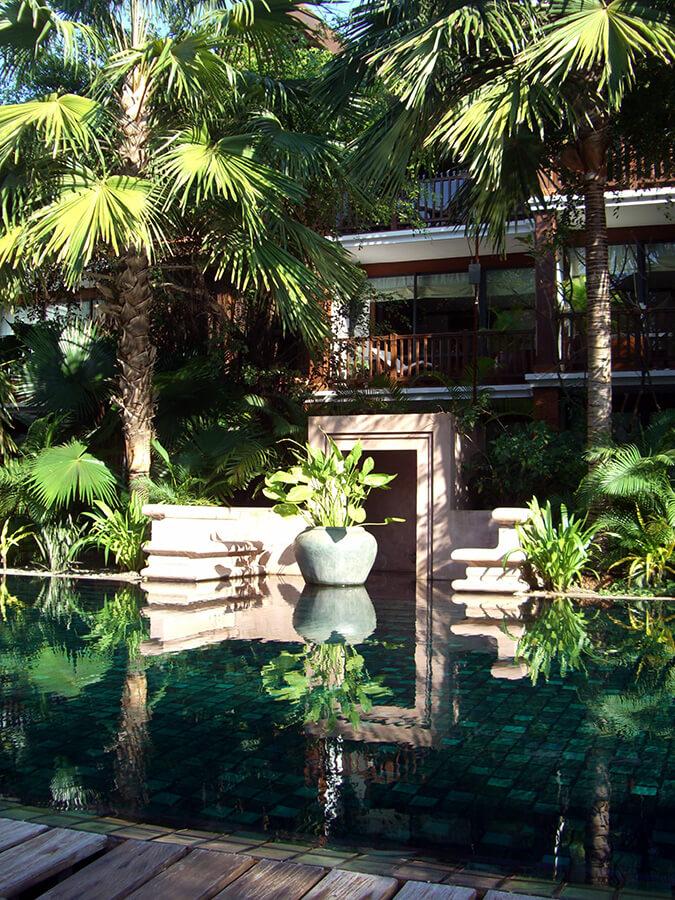 Au coeur d'une végétation dense la Résidence d'Angkor à Siem Reap