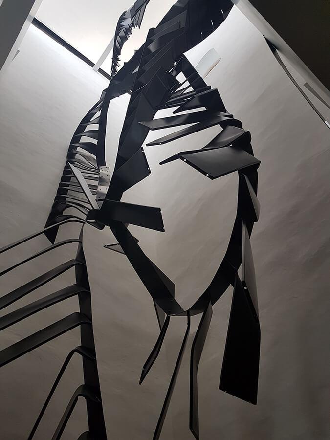 Musée Susch Monika Sosnowska Stairs accrochage (c)GAD