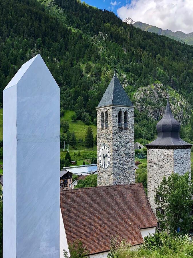 La colonne Tout pour Susch par Not Vital (c) Susch Muzeum