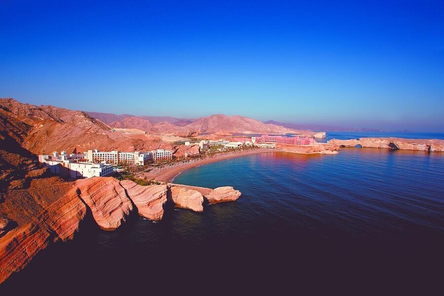 Vue aérienne sur Oman Shangri-La's Barr Al Jissah Resort et Spa (c) OTO