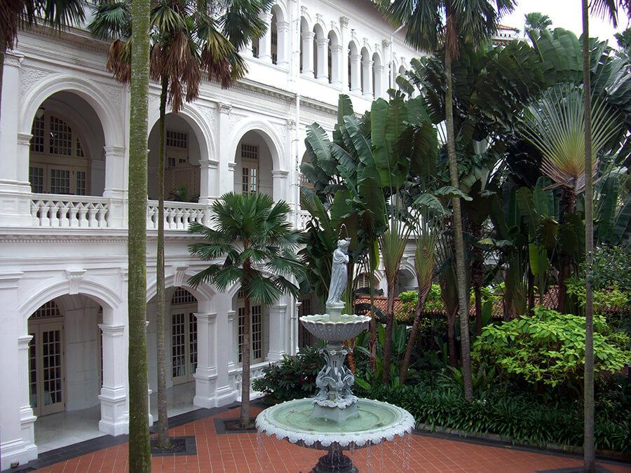 Le Raffles Palace de Singapour qui acceuille les passagers de l'OE avant le départ du circuit