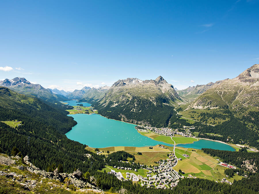 Silvaplana autour du lac un magnifique paysage