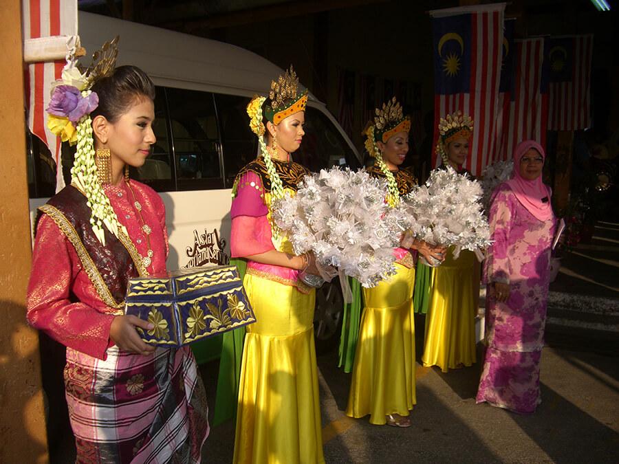 Arrivée à Kuala Kangsar hommage aux passagers de l'Orient-Express