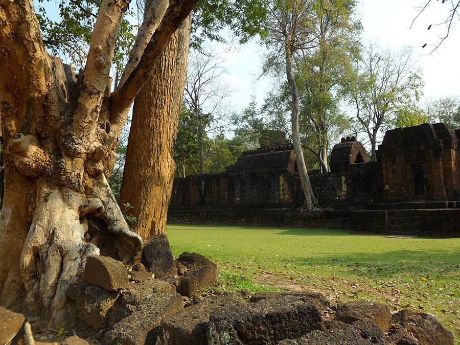 Visite du village de Muang Sing en Thaïland les murailles de l'ancienne cité